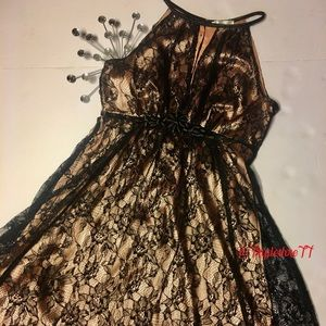 Esley Lace Party Dress Size Small